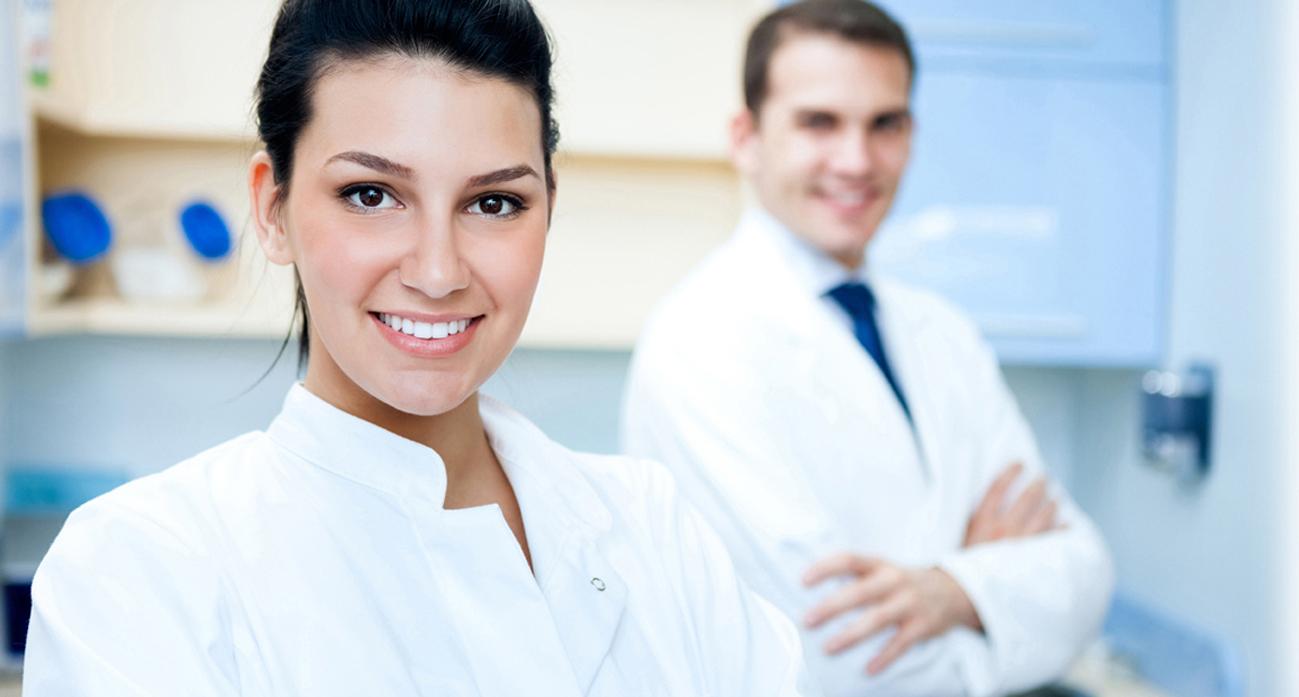 Plaque erkennen - Ihr Zahnarzt hilft Ihnen gerne!